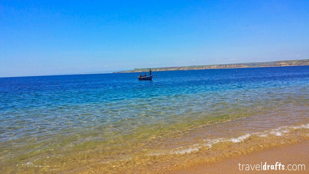 Coisas para fazer em Angola - Ir a praia da Baia Azul