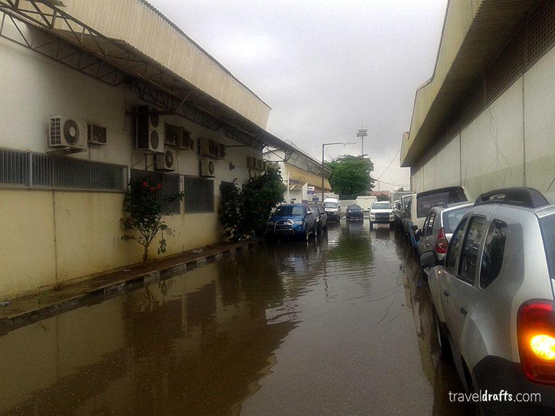 trabalho em Angola