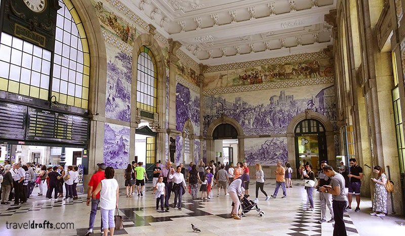 portugal famous things - Azulejos, the portuguese tiles