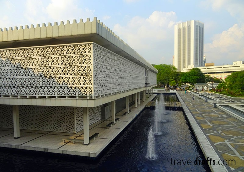 what to see in kuala lumpur in 3 days? The National Mosque
