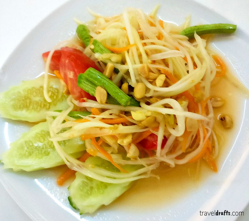 Must-eat dishes in Thailand - The Papaya Salad
