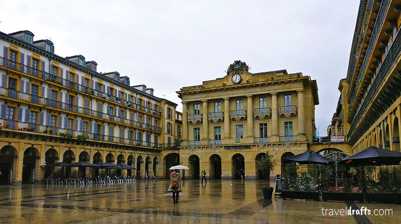 What to do in San Sebastian in 3 days? Walk around the old town San Sabastian