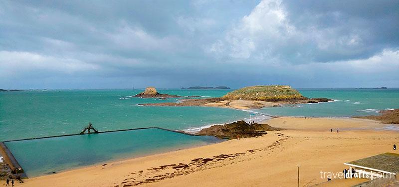 Ir às belas praias é uma das melhores coisas a fazer em Saint-Malo
