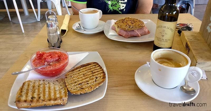 O que comer de pequeno almoço em Espanha?