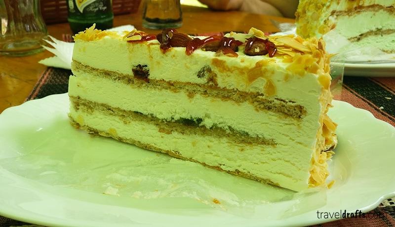 Bulgarian desserts - Biskvitena Torta