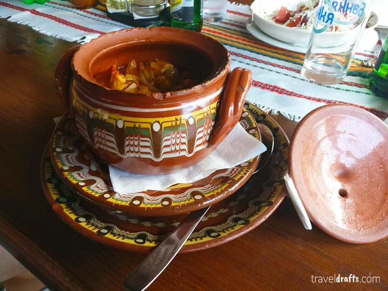 experimentar comida Bulgara é sem dúvida uma das coisas a não perder na Bulgária