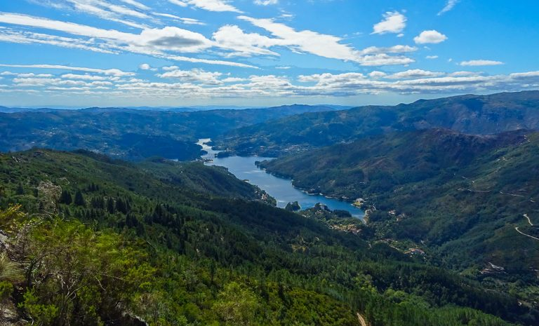 Peneda geres national park travel guide cover Parque Nacional Peneda Gerês - O que fazer e onde Ficar?