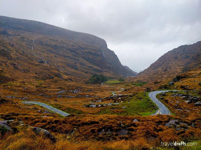Estrada no Parque Nacional de Killerney