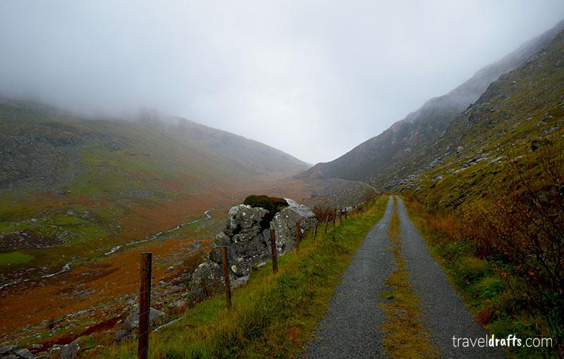 Roads of Killarney National park - Driving in Ireland
