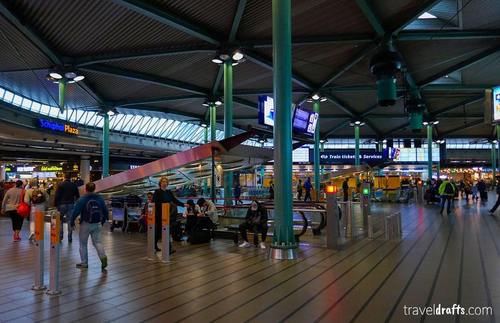 longa Escala em Amesterdão, o que fazer?
