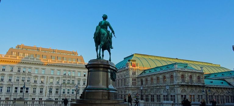 Vienna or Budapest cover Budapest or Vienna? What's the best imperial city to visit?
