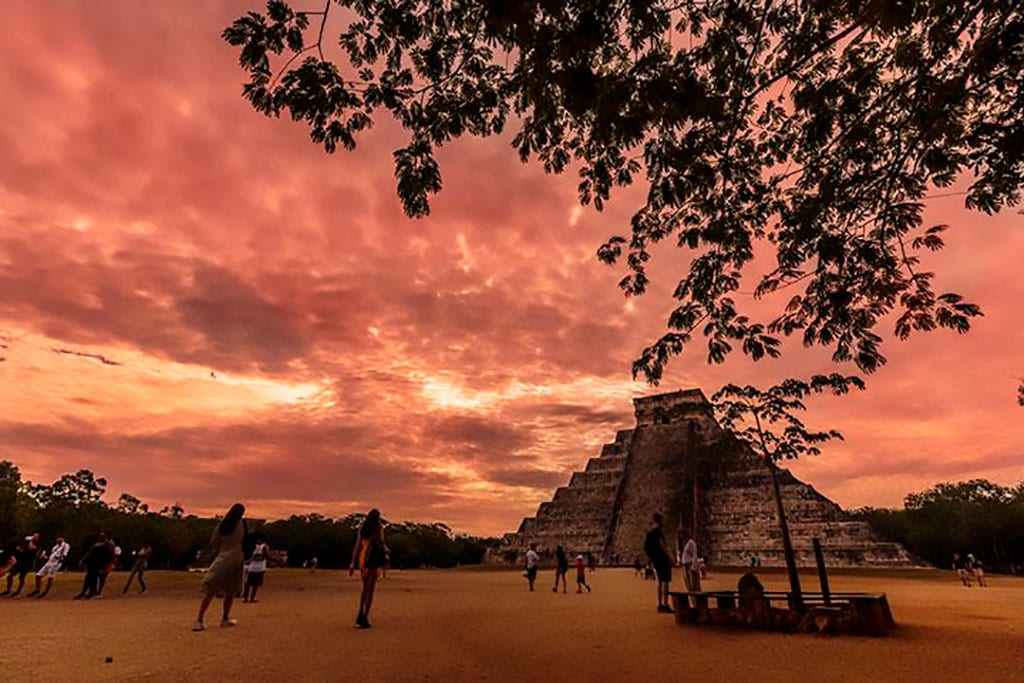 Chichen Itzà at sunset - what is Mexico famous for