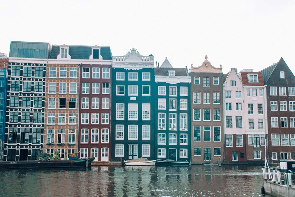 Damrak Houses in Amsterdam 20 Famous Landmarks in The Netherlands