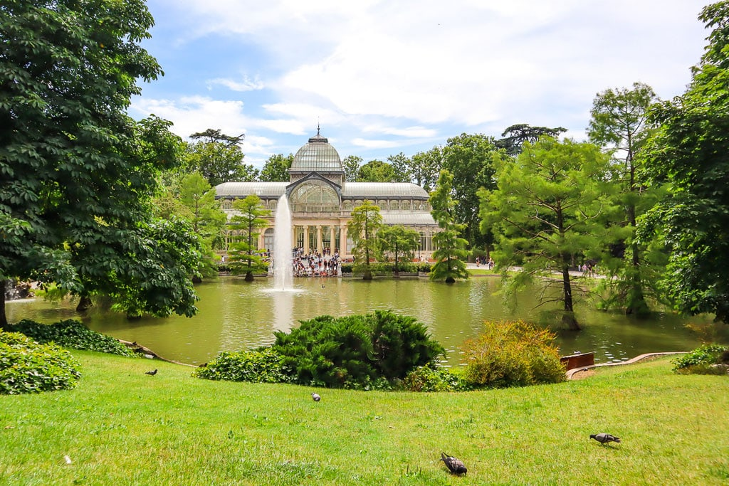 Lake and Pavilion in El retiro Park